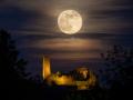Mondaufgang über Burg Windeck 03