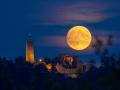 Mondaufgang über Burg Windeck 01