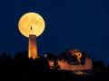 Mondaufgang über Burg Windeck 02